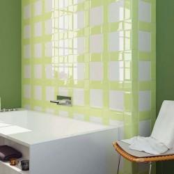 Bagno-piastrelle-in-ceramica-verde-chiaro