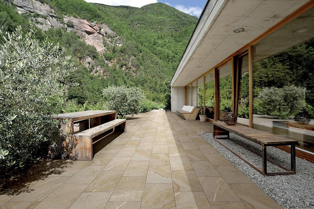 Pavimenti gres porcellanato effetto legno marmo pietra - Piastrelle effetto pietra per esterno prezzi ...