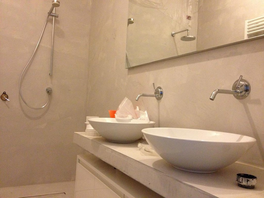 Resina cementizia pavimenti rivestimenti materie srl - Resina in bagno ...