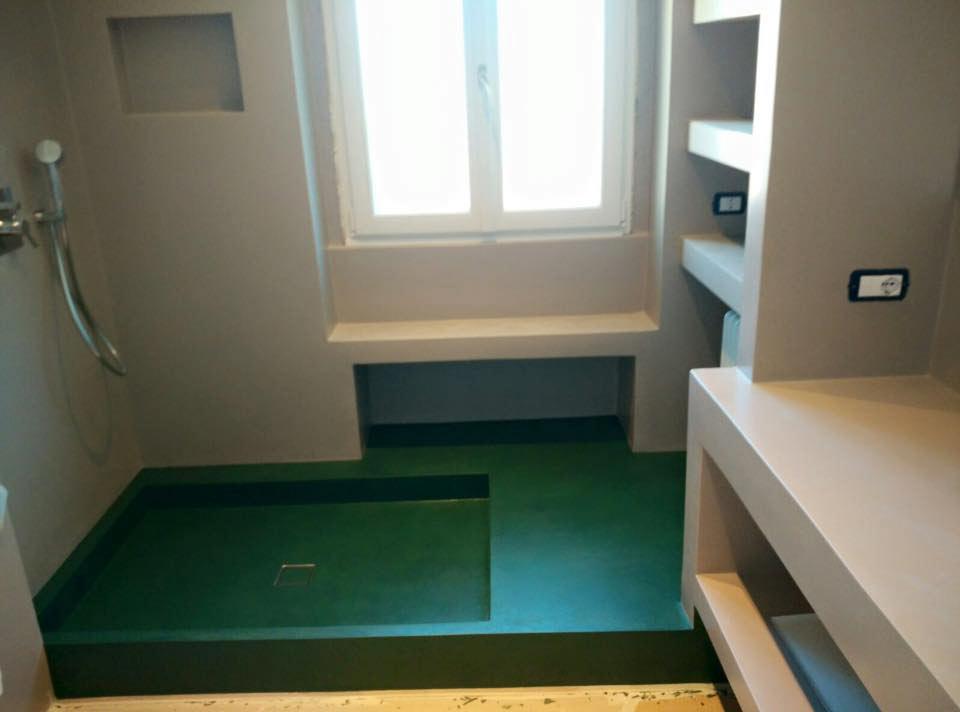 rivestimento piatto doccia in cemento con colori personalizzabili