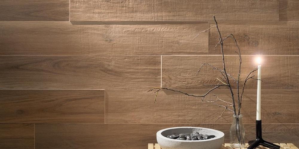 Effetto pietra su parete news su design ed architettura - Gres porcellanato effetto legno per bagno ...